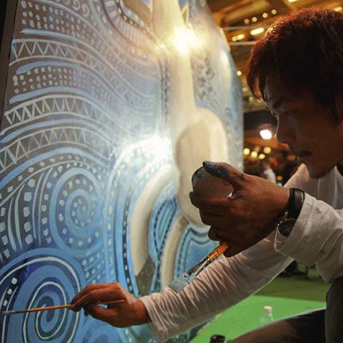 現場即興壁畫 Live painting 臨場即興創作壁畫,使「靜」的畫作在公眾視野中擁有「動」的趣味性,對活動宣傳推廣相得益彰。